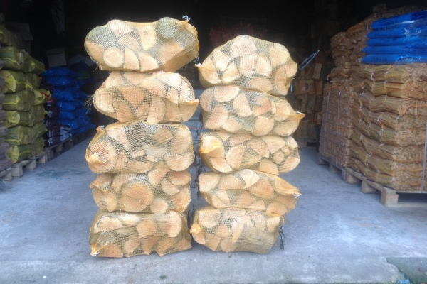 Soft Wood Netted Logs